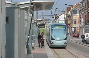 Les contrôleurs de bus et de tramway adoptent les caméras-piétons
