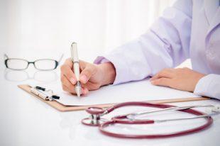 santé médecin prescription stéthoscope-UNE