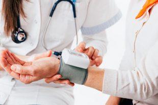 soins santé médecin consultation tension