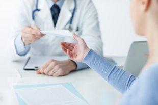 Consultation médecin patient-UNE