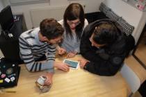 4 presentation au locataire de la tablette de suivi Crédit Photo LMH