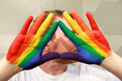Une étude scientifique et un module de formation pour lutter contre les discriminations anti-LGBT