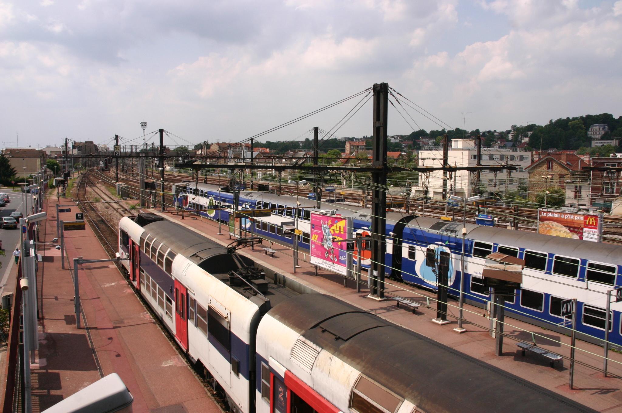 Gares : la SNCF signe son schéma directeur national d'accessibilité