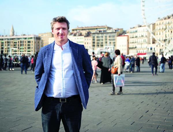 « Le FN séduit les agents qui travaillent au guichet » – Joël Gombin, politologue