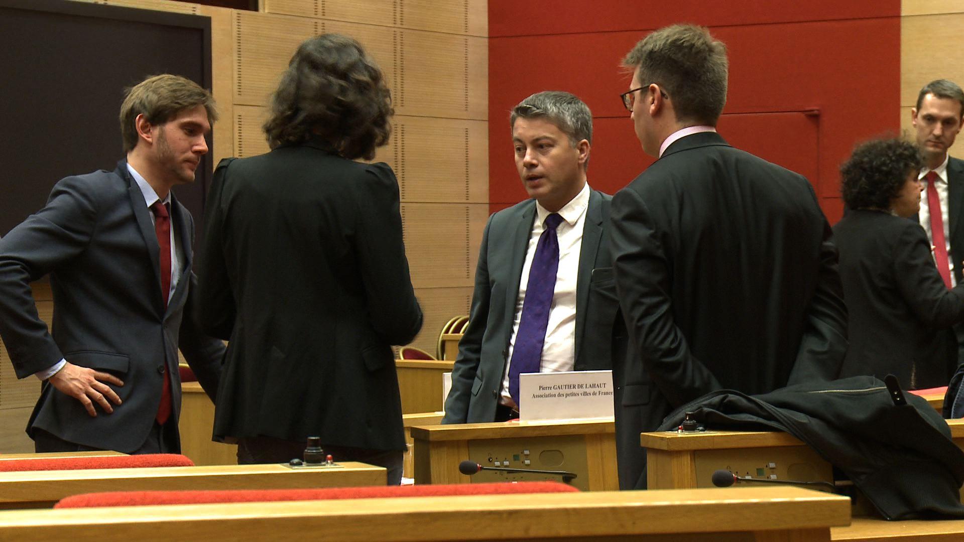 Les maires demandent une plus grande coopération avec l'Etat