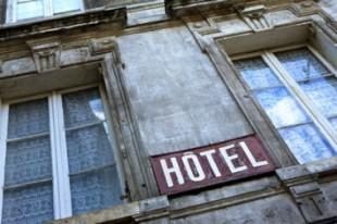 logement-pauvrete-hotel-une