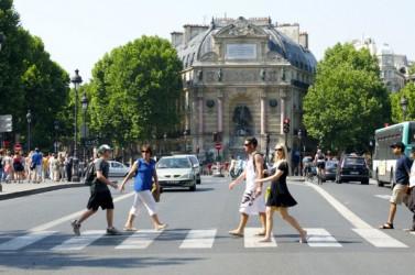 Place_Saint-Michel_pietons