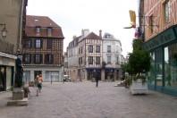 630 X 473 centre ville Auxerre par Vicente Auxerre CC BY-SA 2