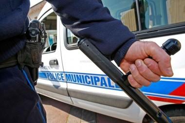 tonfa matraque arme pm police