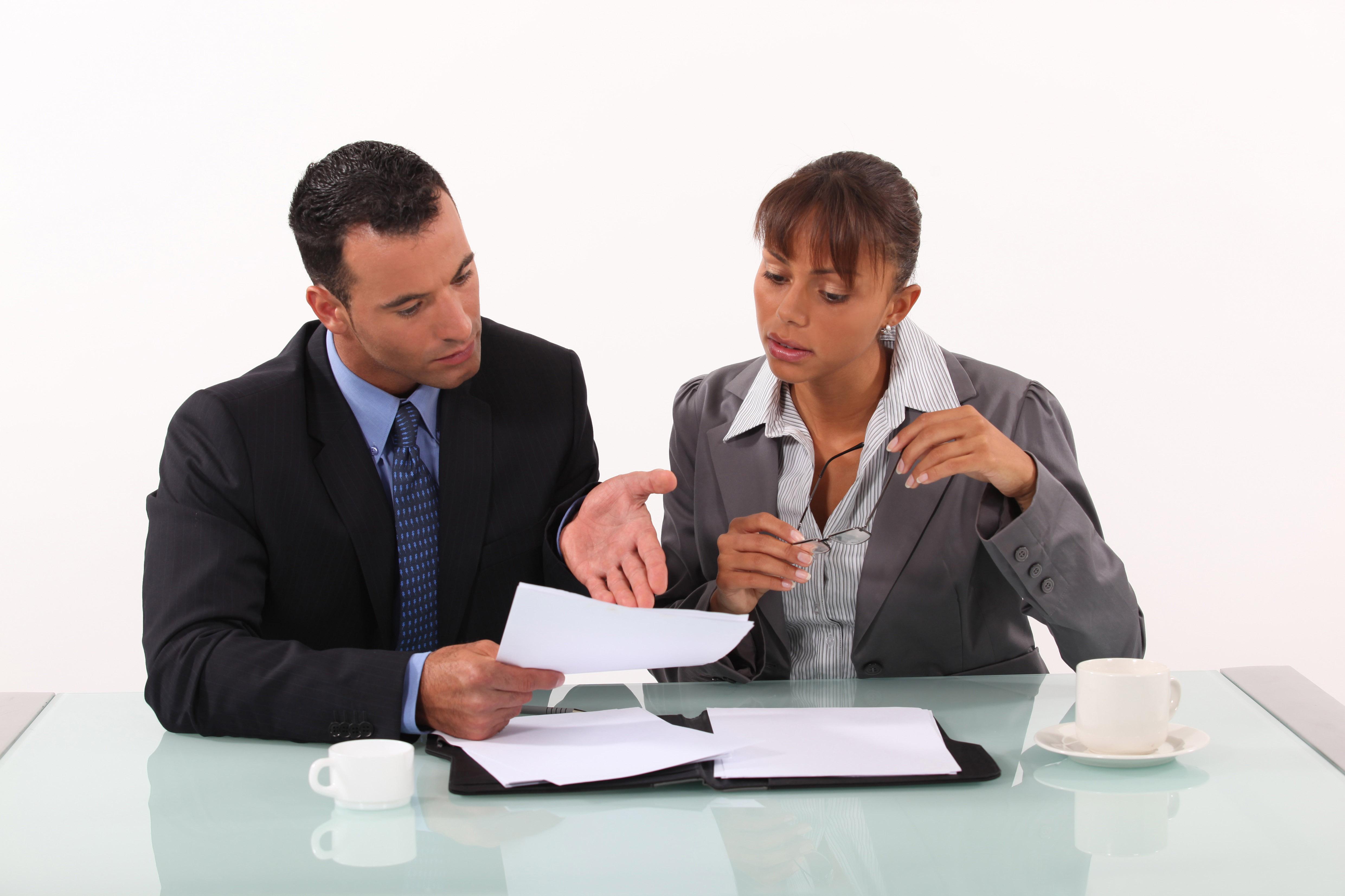 Egalit femmes hommes le rattrapage des salaires exige for Bureau homme