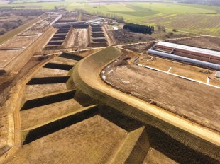 Dans l'Indre, 90 hectares des terrains récupérés par Châteauroux ont été achetés par la Fédération française de tir pour y créer un centre national de tir sportif.