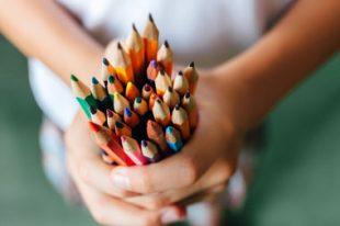 crayon-élève-école-PEDT-UNE