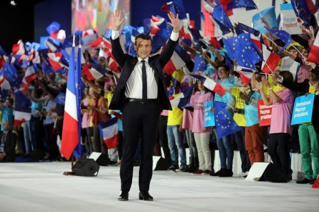 Macron campaign meeting