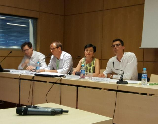 De gauche à droite, Noé Wagener (Biblidroit), Cyril Clavel (élève INET), Jane-Marie Hermann (FNCC) et Xavier Coutau (Bibiothèque départementale d'Eure-et-Loir ) débattent sur l'opportunité d'une loi sur les bibliothèques ©hg CC0