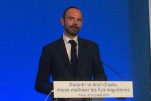 Edouard-Philippe-migrants600