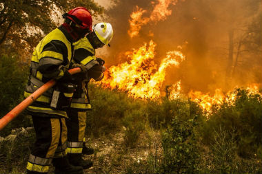 Lieutenant de sapeurs pompiers professionnels for Airess incendie