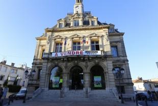 mairie à vendre
