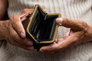 pauvreté-précarité-senior-UNE
