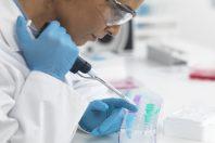 scientifique-laboratoire-recherche-UNE
