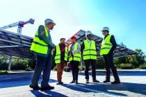 Partenaire de Parkosol, Grenoble-Alpes métropole mise aussi sur l'installation de panneaux sur des ombrières de parkings et espère entraîner le secteur privé dans son sillage.
