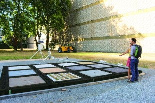 Au sein même du quartier de La Part-Dieu, une table d'expérimentation permet de développer douze matériaux de sol.