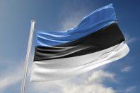 Estonie-drapeau-UNE