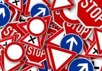 panneau signaletique route code