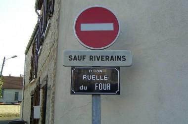 Un maire peut-il interdire par arrêté l'accès d'une rue sauf aux riverains ?