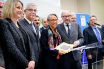 Remise du rapport du COI sur les infrastructures de transport à Elisabeth Borne, le 1er février 2018