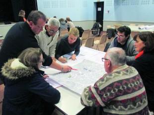 Ville de Laillé (Ille-et-Vilaine). L'évaluation citoyenne peut prendre la forme d'une discussion sur une ZAC.