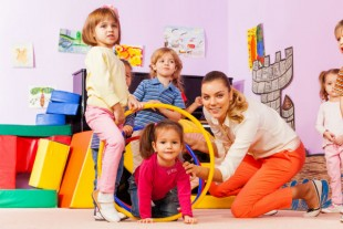 Pénibilité, accidents... un guide aux petits soins des Atsem