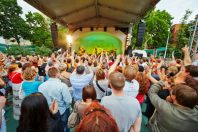concert-festival-Pavel Losevsky via AdobeStock_51434993