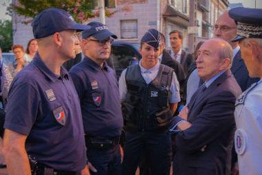 site de rencontre avec des policiers