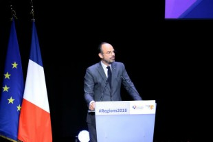 edouard-philippe-congres-regions-2018