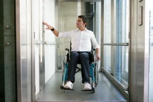 handicap-fauteuil-ascenseur