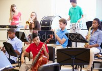 musique-enseignement-conservatoire-ecole-Monkey Business via AdobeStock_66164992_Preview