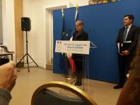 Elisabeth Borne a reçu du député Benoît Simian le rapport sur les trains à hydrogène