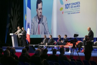 CONGRES-debat-finances-locales