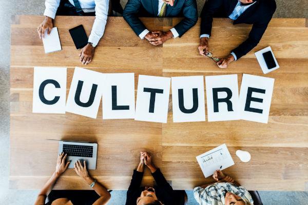 Culture-Jacob Lund-AdobeStock_147065638-UNE