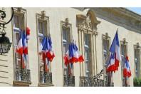 mairie - drapeauillustrez-vous - AdobeStock_- UNE