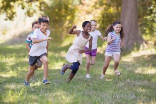 Enfants loisirs courir