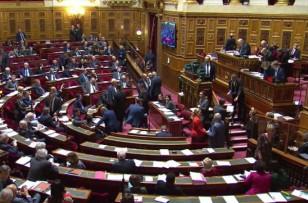 Le Sénat adopte un budget largement remanié