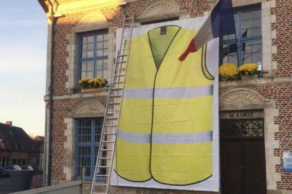 gilets-jaunes-Morbecque-mairie