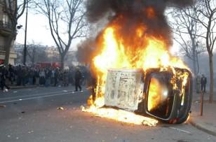 Violences lors des manifestations : le gouvernement veut durcir le ton
