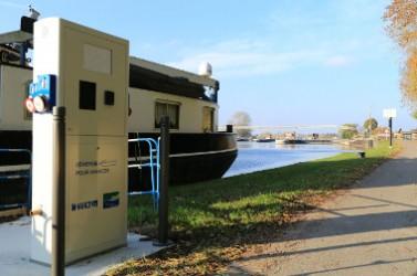 Borne Eau Electricité Amt RD Ecluse d'Amfreville Photo VNF-ljm (7)