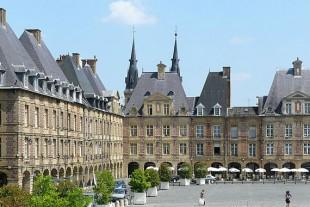 charleville-mezieres-place-ducale-ardennes
