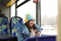 livre audio_lecture bus_AdobeStock_258227185