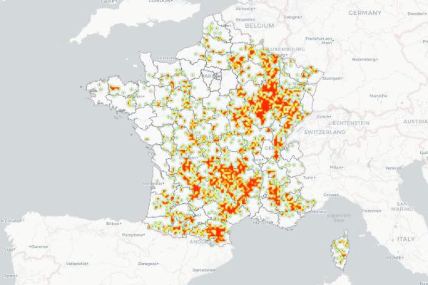 carte des zones blanches en france En cartes et en graphiques : comment avance la couverture mobile