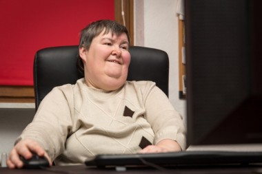 pers-handicapée-ordi