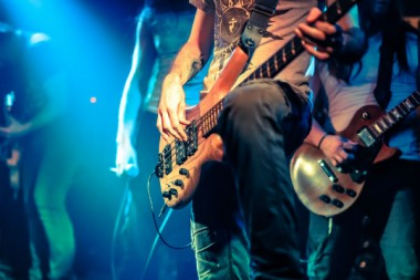 cloudbursted-adobestock-rock-festival-musiquesactuelles-UNE